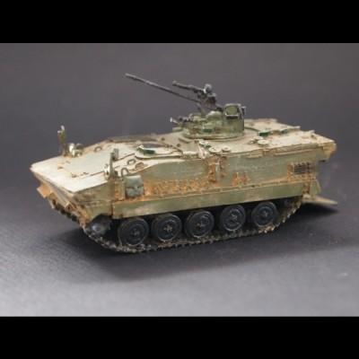 AMX-10 P canon de 20mm (vert)