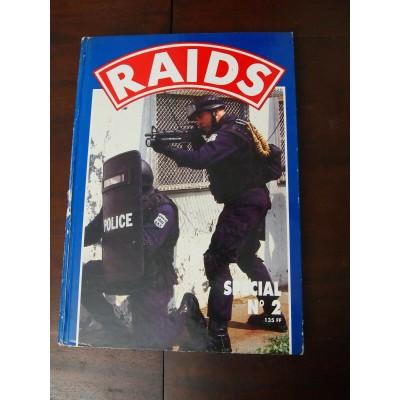 """ALBUM RELIE N° 2 DE LA REVUE """"RAIDS"""" (n°80, 81, 82, 83, 84) 1986"""